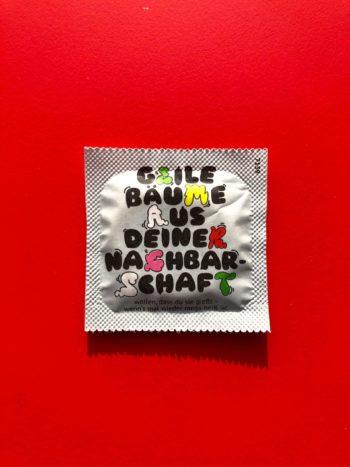 einhorn Kondom mit Aufschrift Geile Baeume in deiner Nachbarschaft
